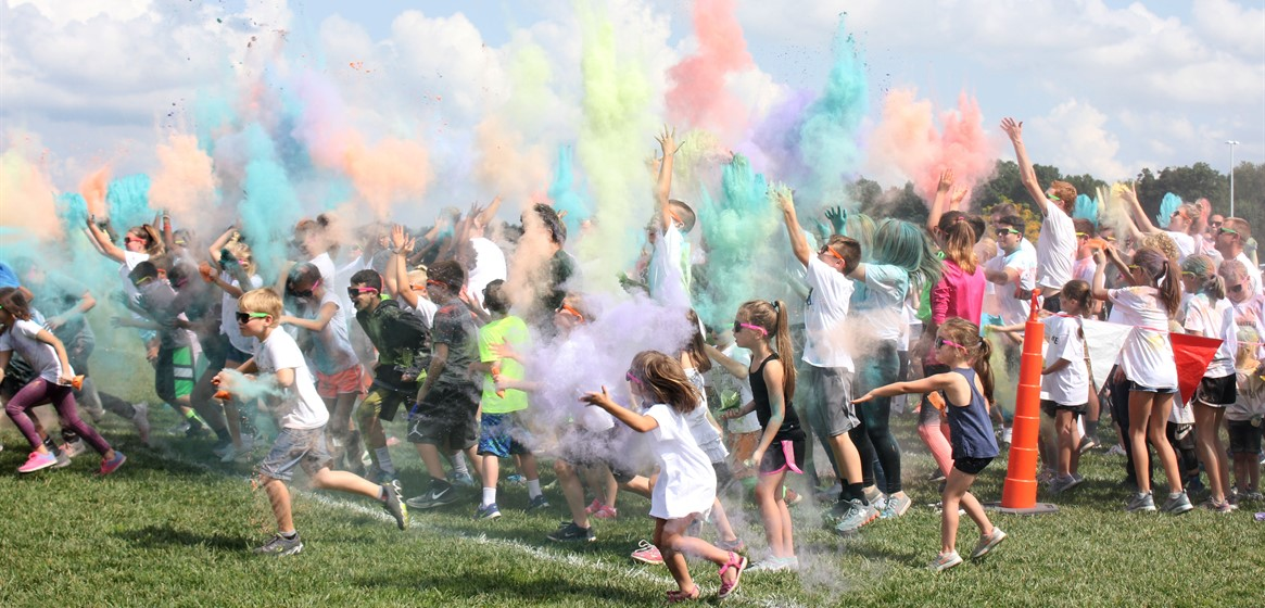 Families had a great time at our annual Color Run at Family Fun Day on September 16 at GlenOak High School!